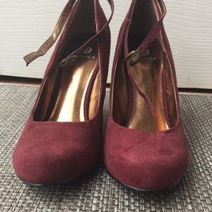 2 for $25 Jessica Red Wedges/Heels size 7m
